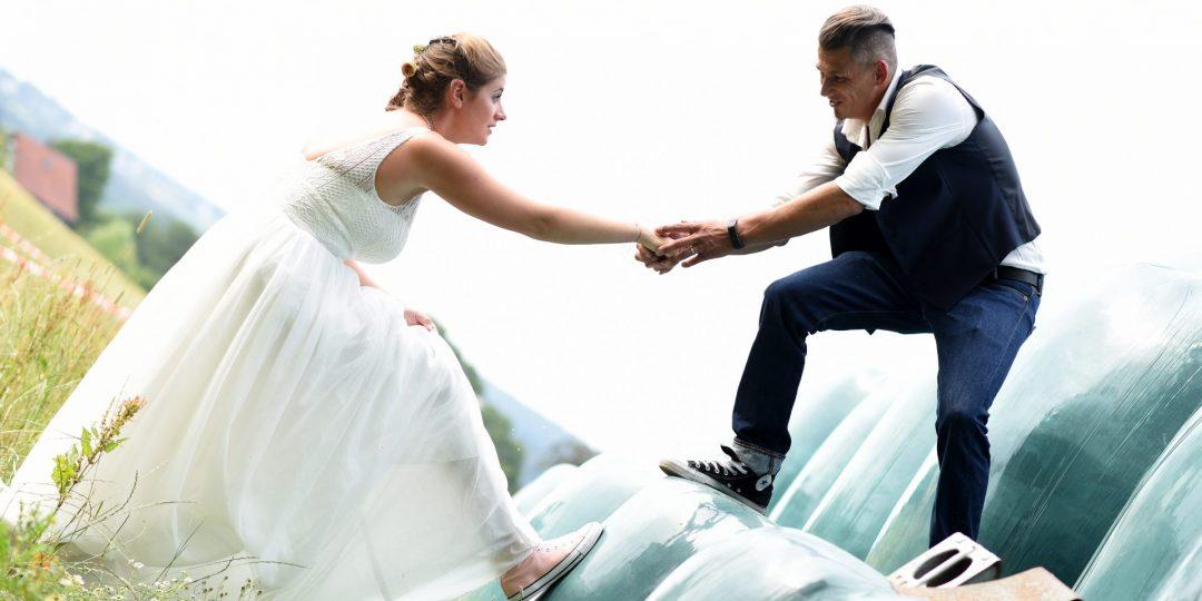 Heuballen Hochzeit hochziehen