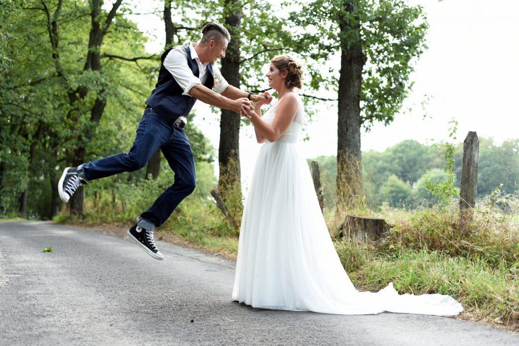 Hochzeit Spazieren sprung