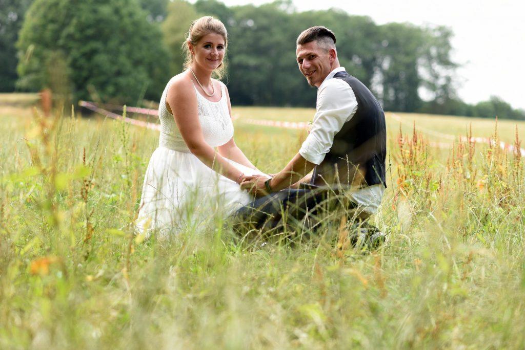 Wiese Hochzeit im Gras