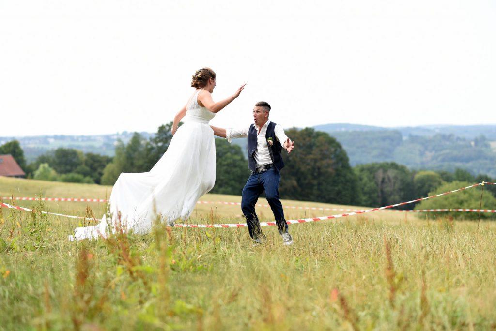 Wiese Hochzeit sprung